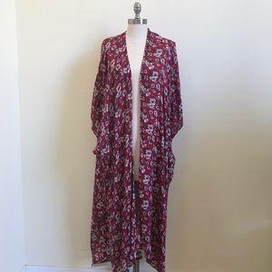 American Eagle  Long Floral Kimono